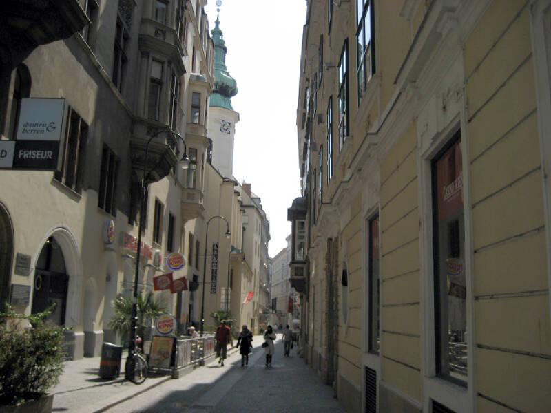Enge Gassen in der Innenstadt von Wien