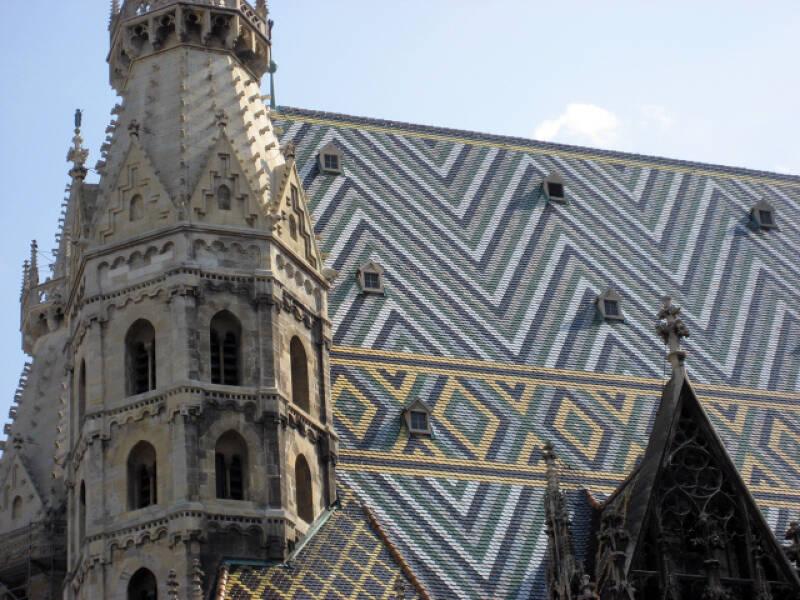 Das bunte Dach des Stephansdom
