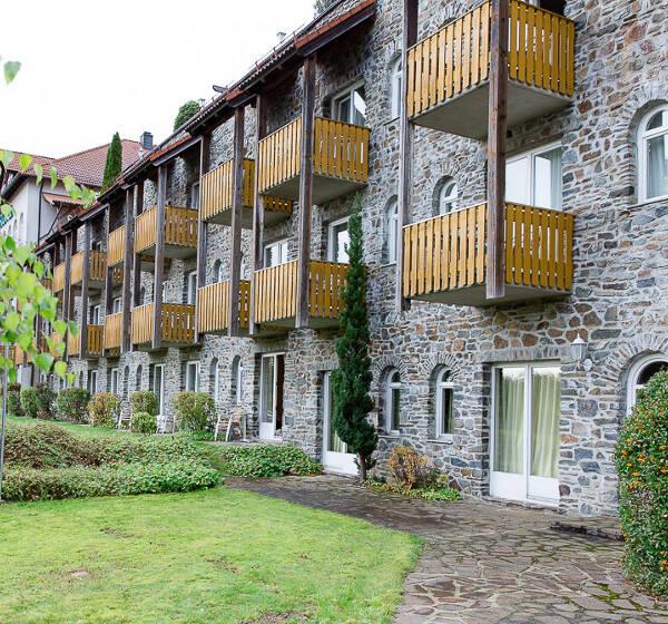 Kurzurlaub in Bayern im Burghotel am Hohen Bogen ab 165 Euro